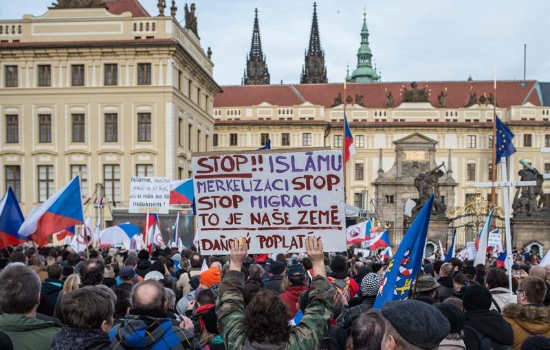 Протести срещу имигрантите по призив на ПЕГИДА