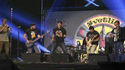 Светльо & The Legends и Контрол с първи пънк-концерт на открито