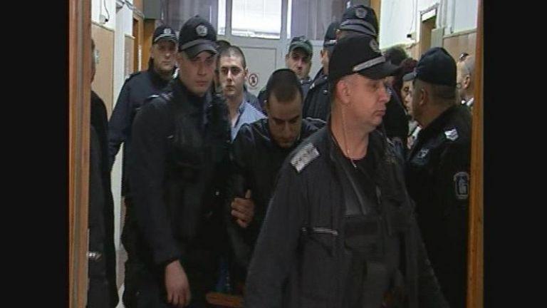 Намалиха присъдите на убийците от варненския мол