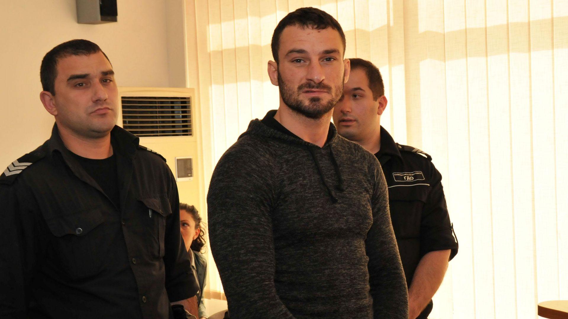 Бургаски съдия, осъдил две медии, не е нарушил етиката