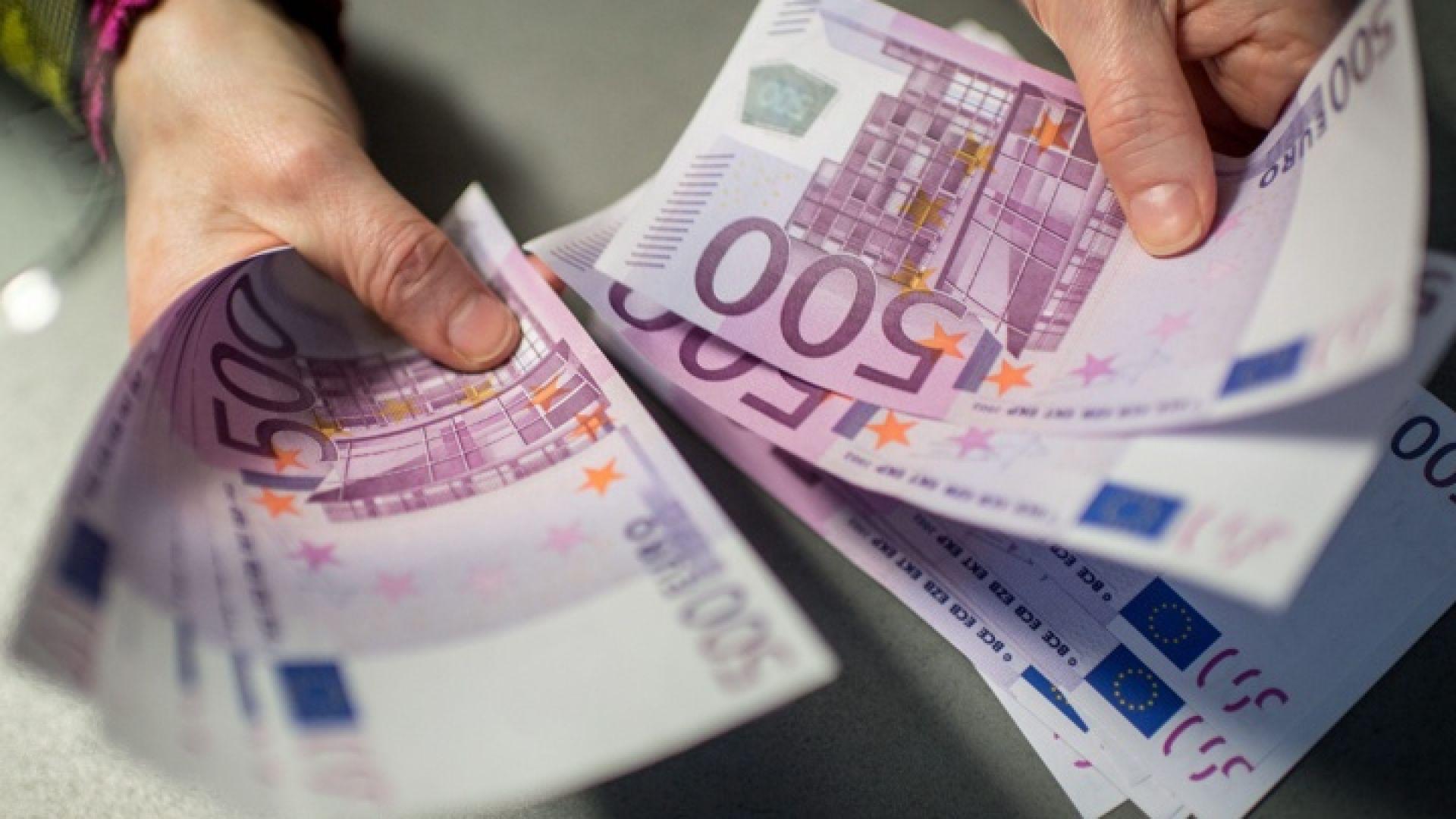 Банковите такси за превод в евро в ЕС намаляват драстично
