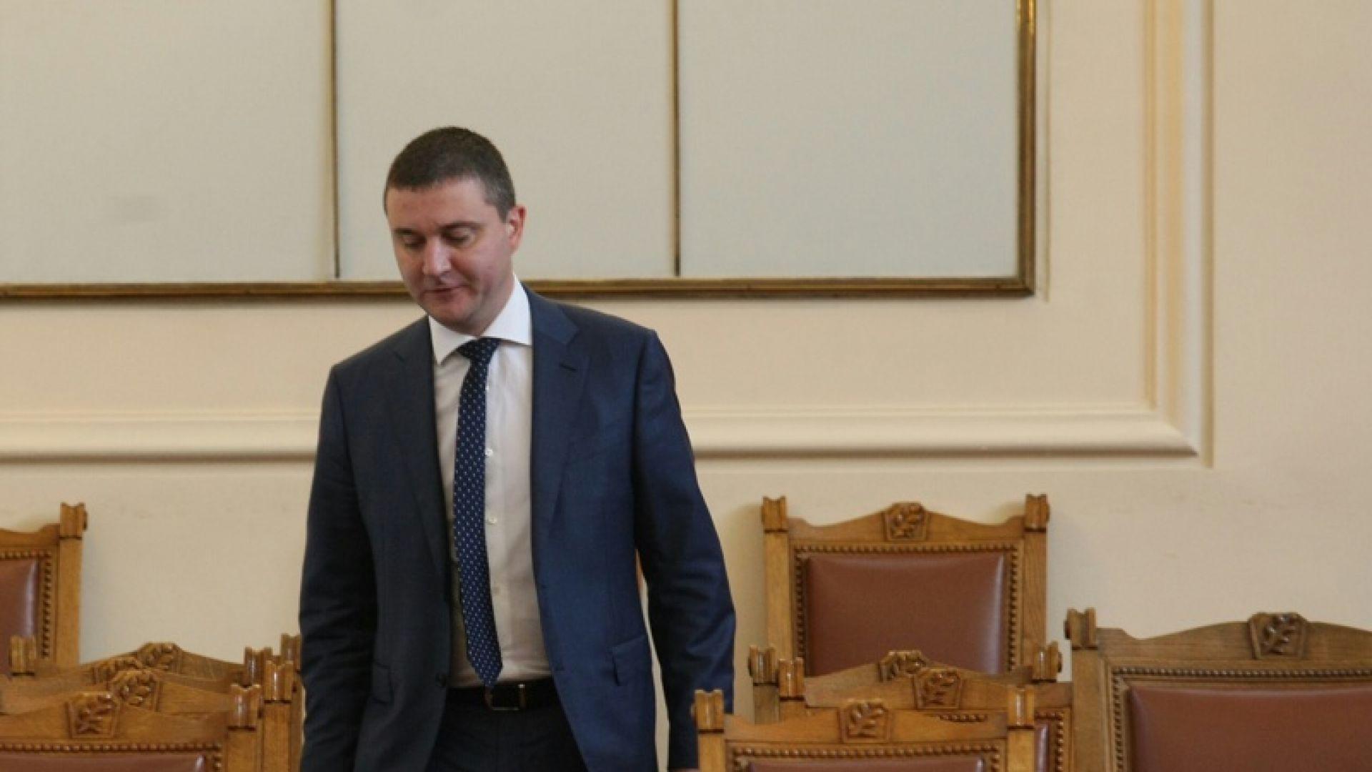 Парламентът одобри изтеглянето на нов заем от 1,2 млрд. лева
