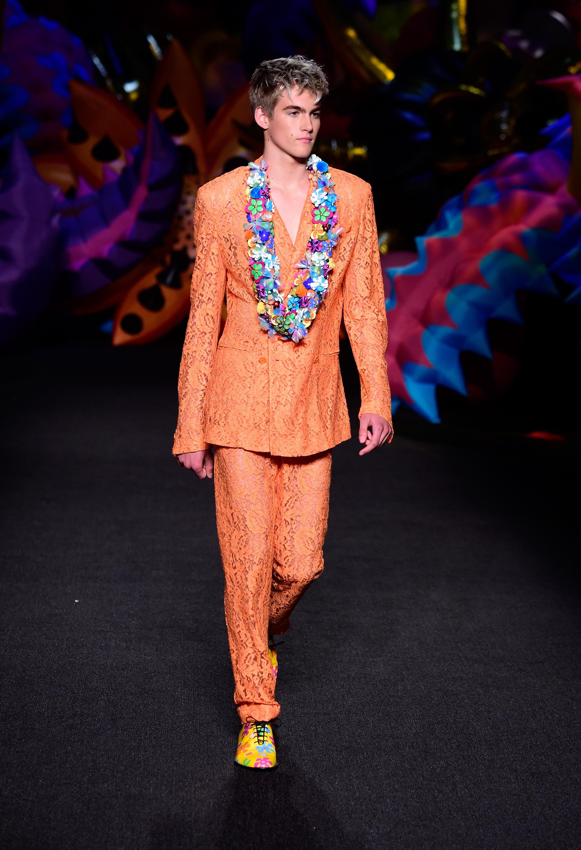 Синът на Синди Крауфорд с дебют на модния подиум