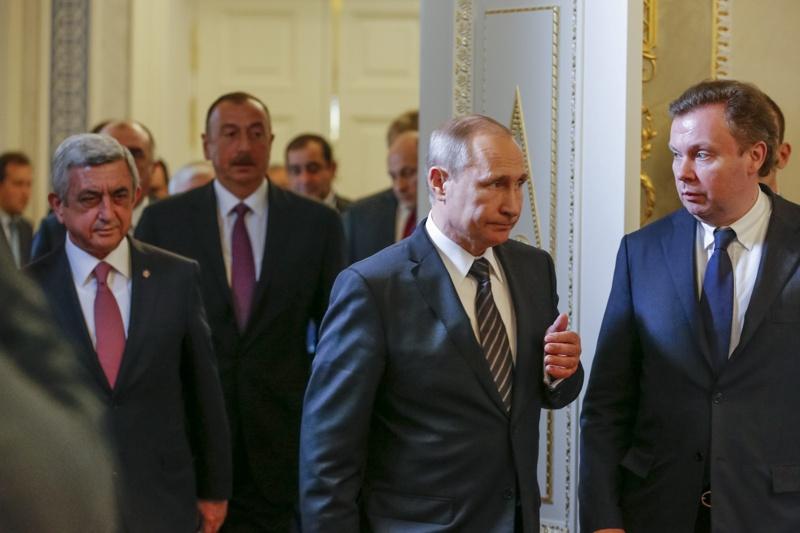 Русия, Армения и Азербайджан с декларация за Нагорни Карабах