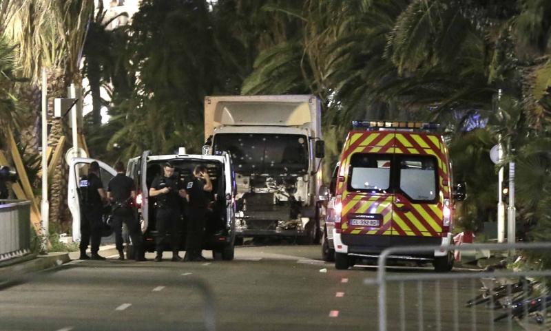 Поне 84 жертви при терористично нападение с камион в Ница