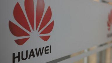 САЩ призоваха съюзниците си да не работят с технологии на Huawei