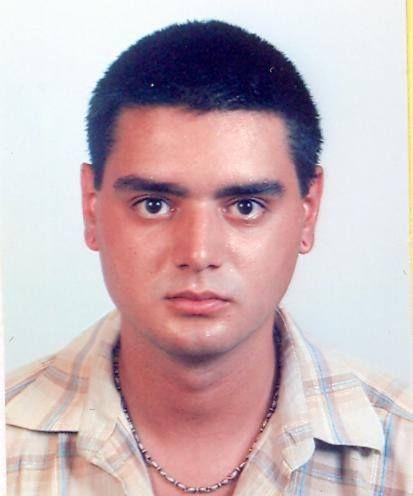 Млад мъж уби майка си и дядо си в София