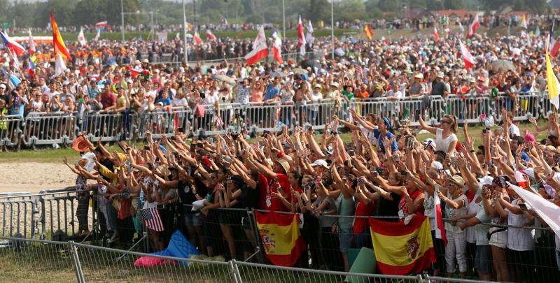 Милиони присъстваха на бдение заедно с папата край Краков