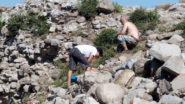 Археолози в Пловдив започнаха последния етап от разкопките на върха