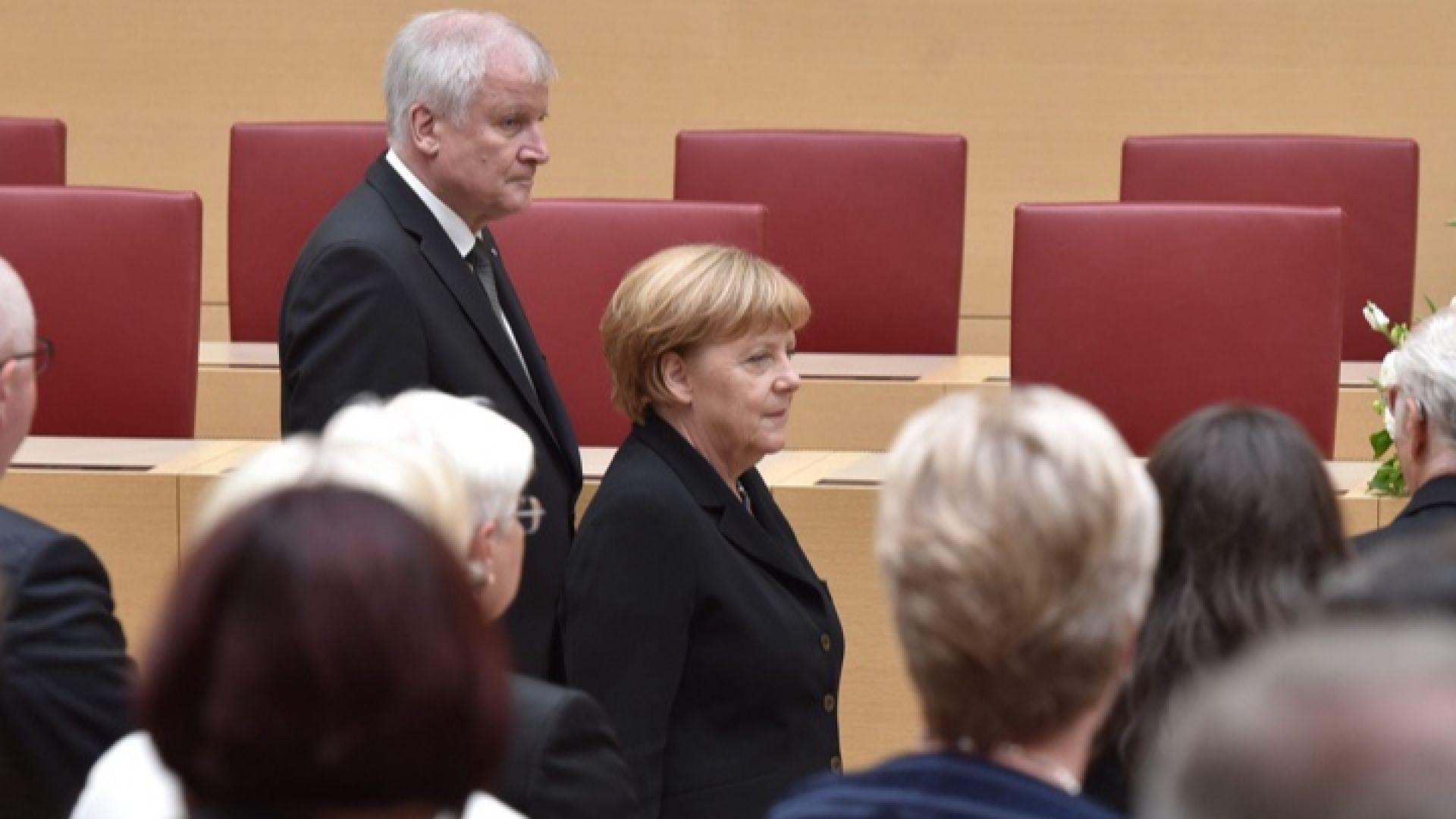 Германският вътрешен министър: Меркел раздели Европа