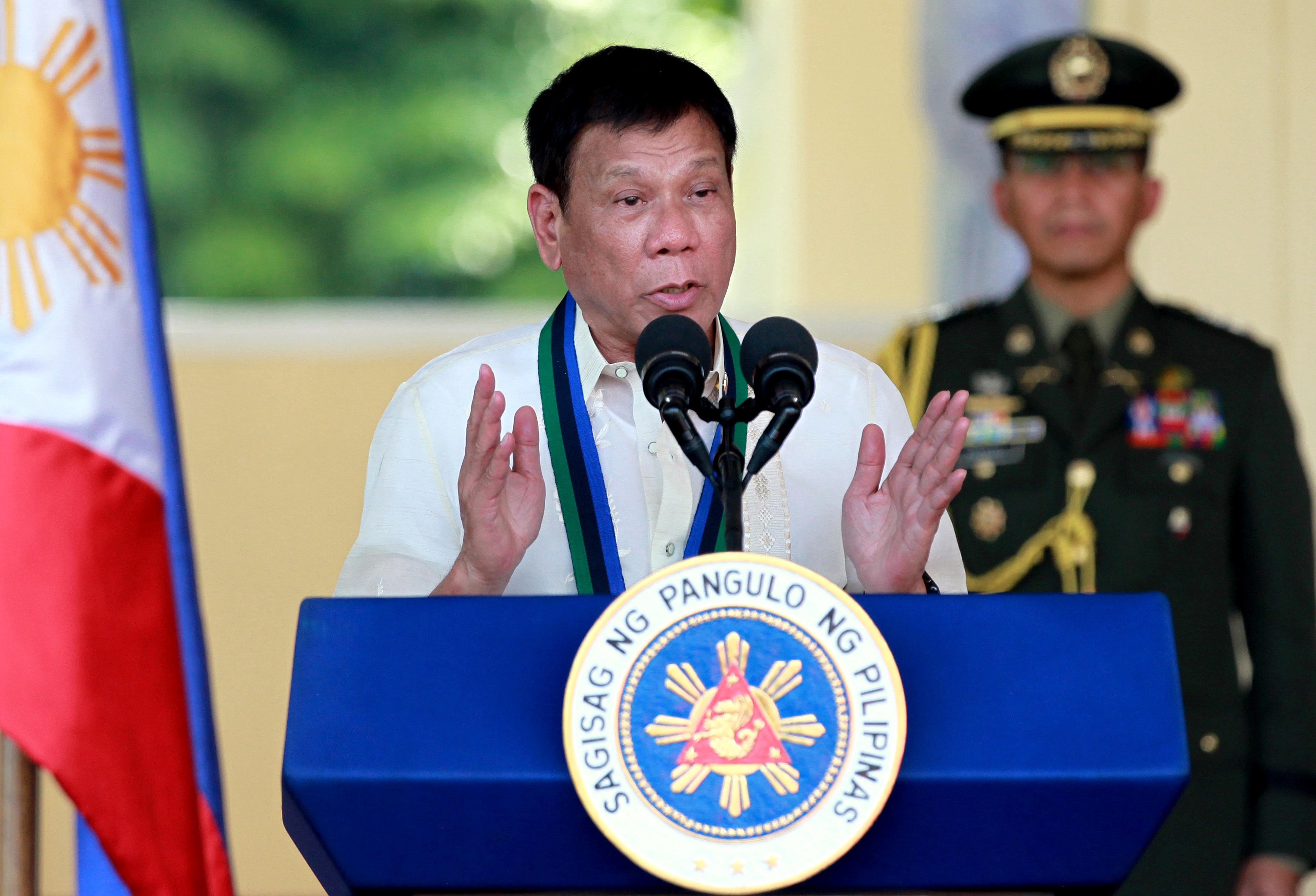 """Филипинският президент подкрепи """"разрешението да се убива"""""""