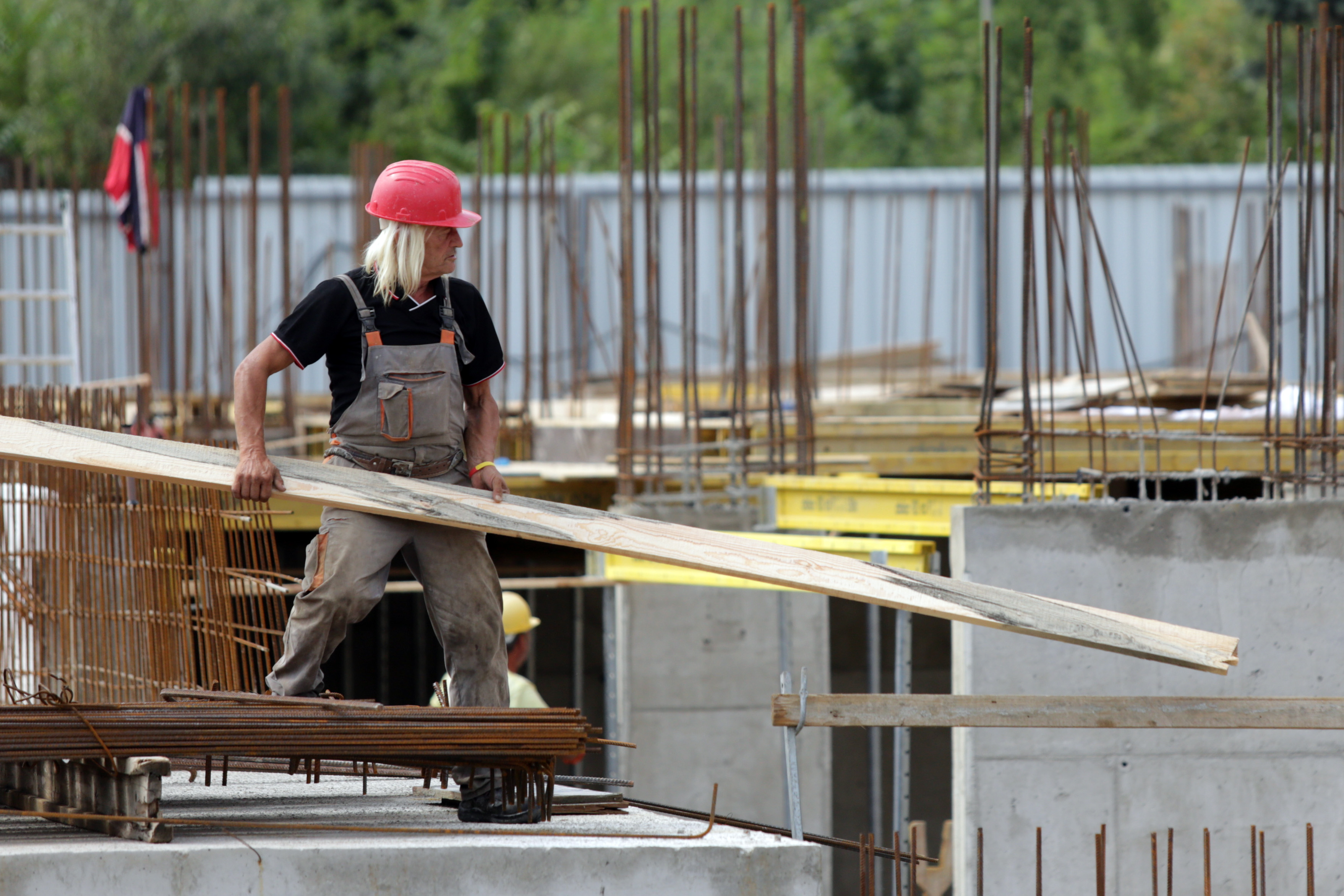 Спад в строителния сектор за февруари