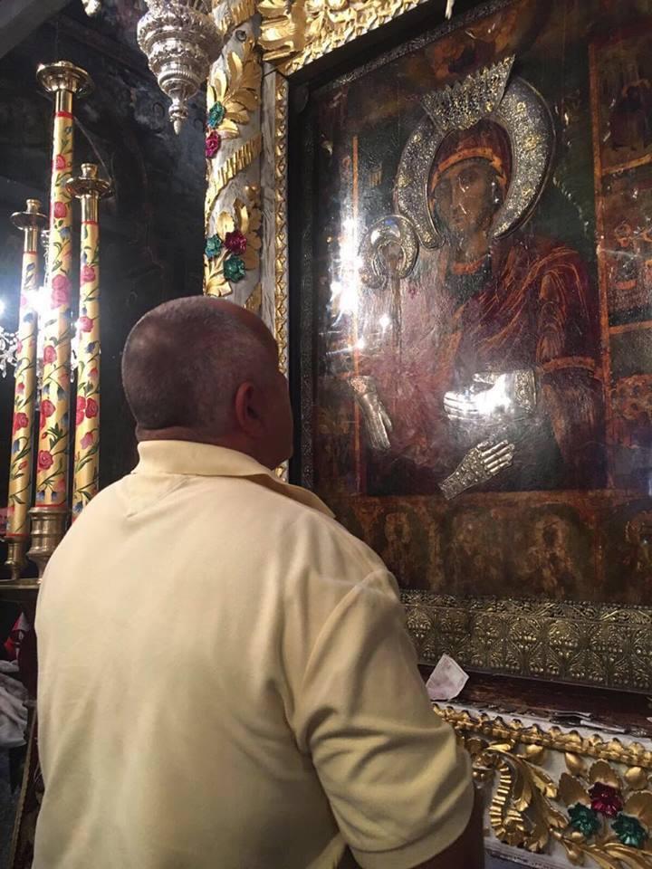 Борисов в Троянския манастир: Само Господ ще спаси България