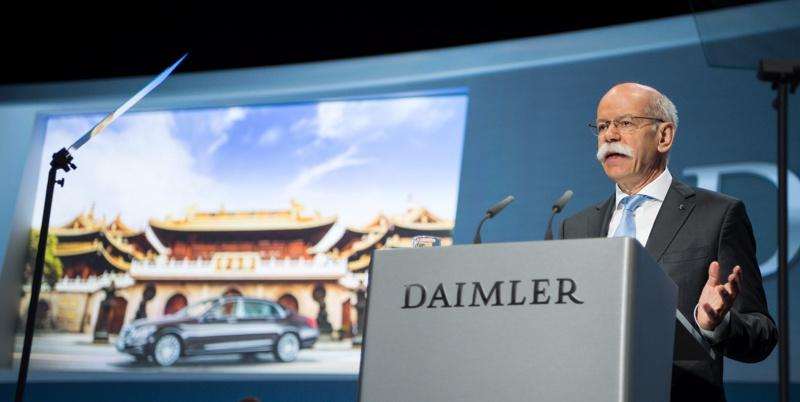 """Шефът на """"Даймлер"""" ще получава пенсия от поне 1,05 млн. евро годишно"""
