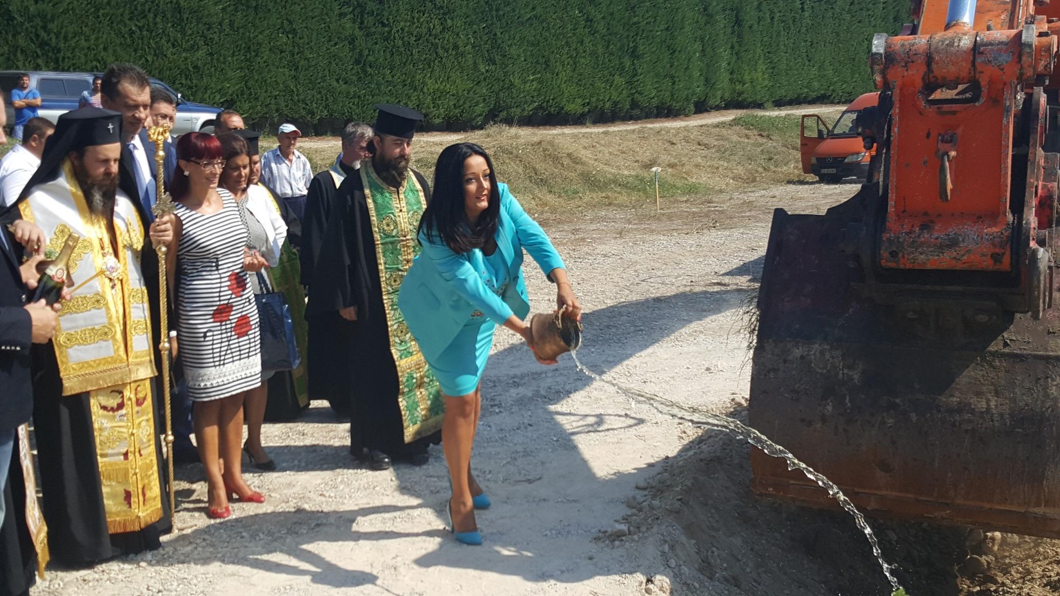 """Започна строителството на още 24 км от магистрала """"Струма"""""""