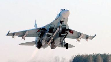 Руски изтребител ескортира разузнавателен самолет на САЩ над Черно море