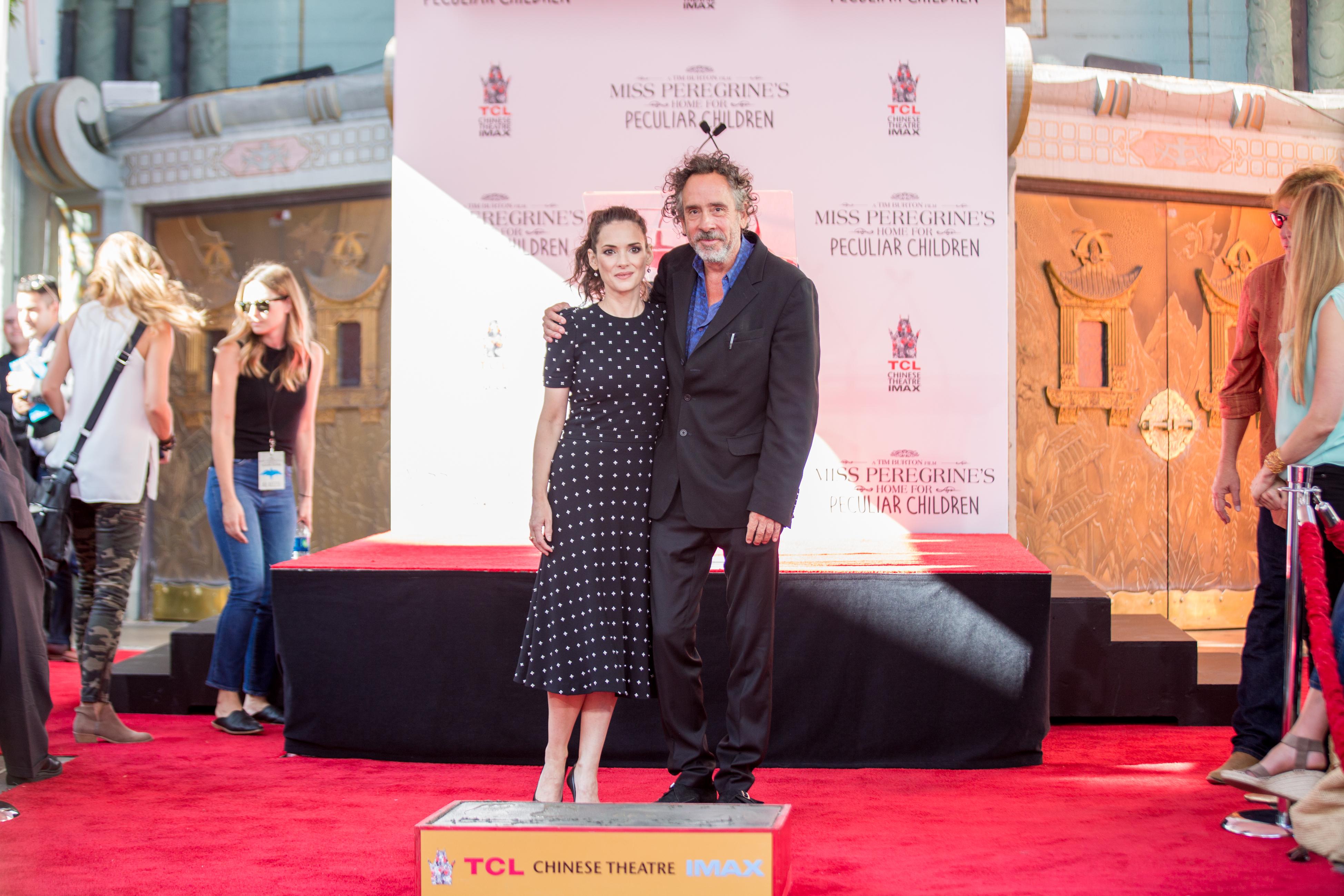 Тим Бъртън остави отпечатъци пред Китайския театър в Холивуд