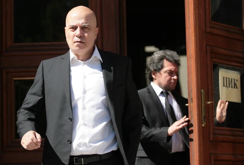 36 политолози против мажоритарния вот на Слави