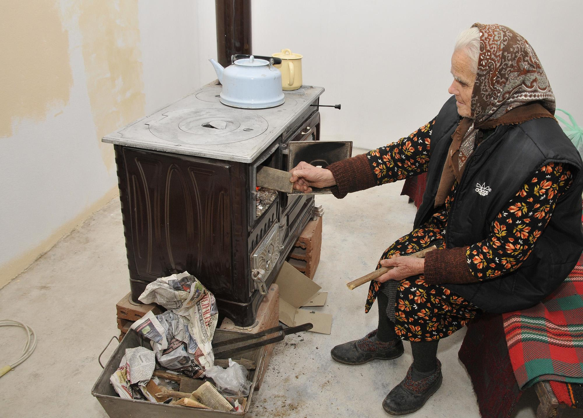 Печки на твърдо гориво замърсяват въздуха в София