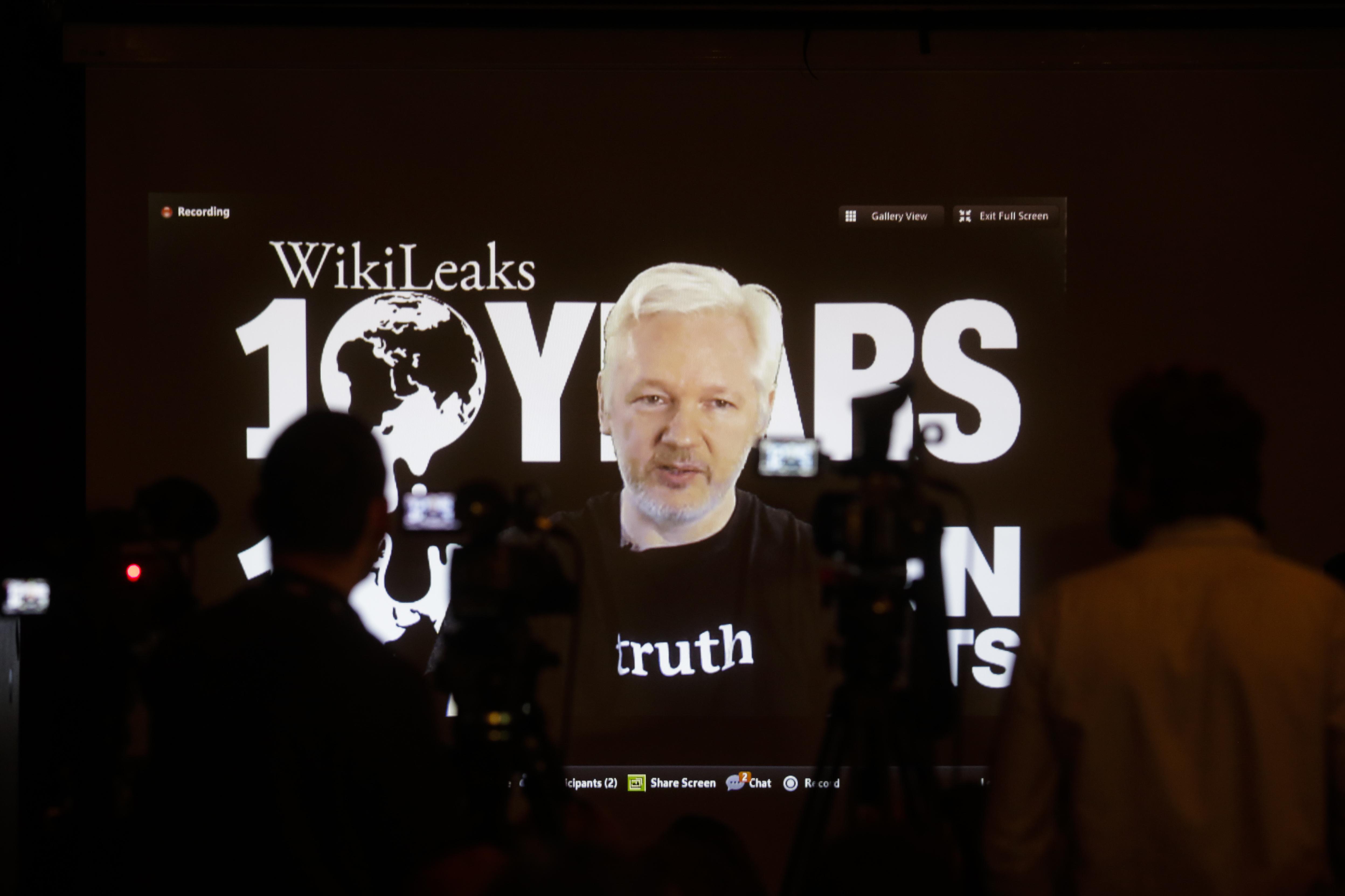 Пет факта за Уикилийкс