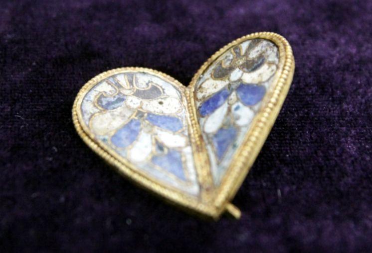 Уникално златно царско сърце откриха във Велики Преслав