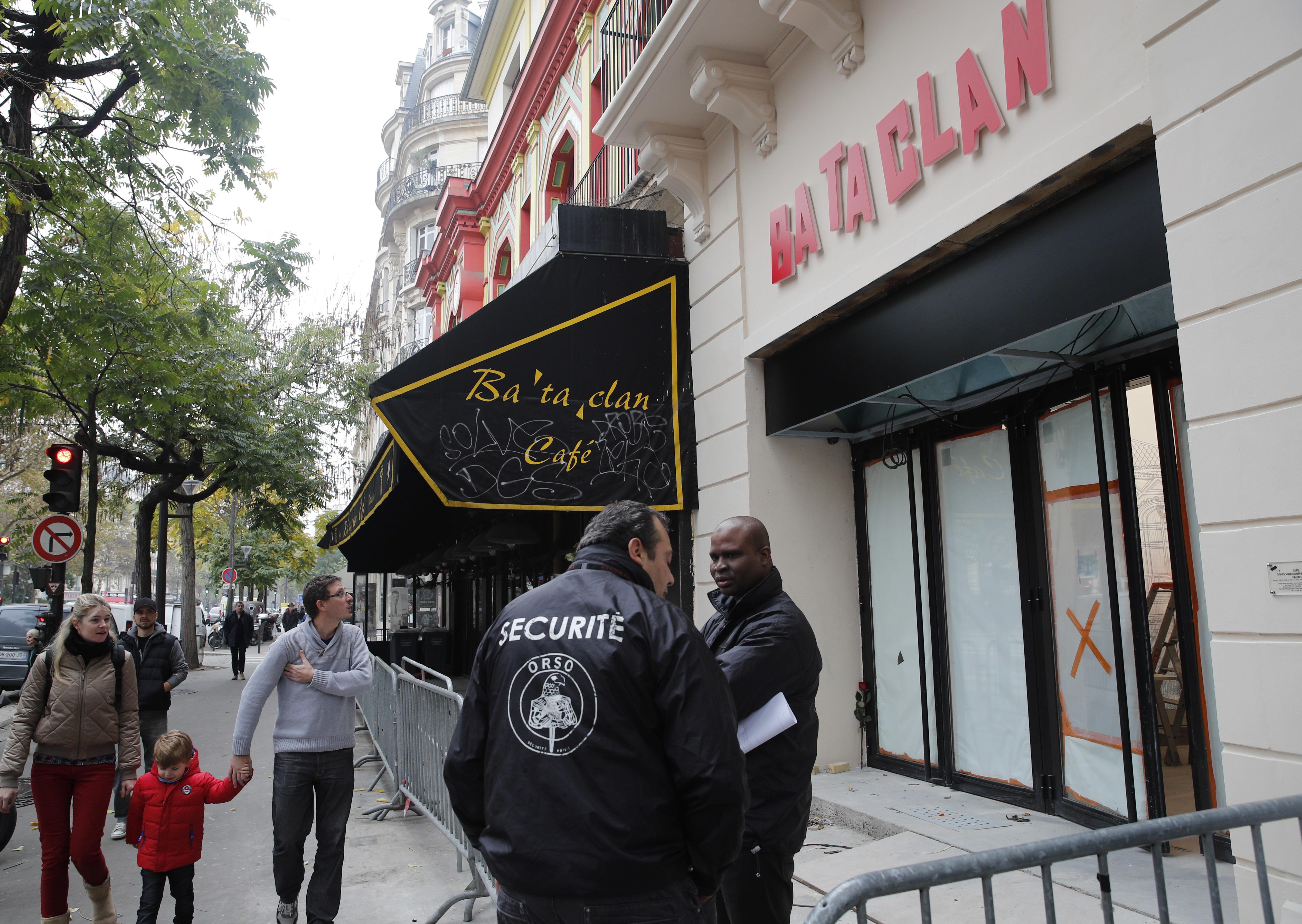 """Съдят """"жертва"""" на атентатите в Париж, получила €25 000"""