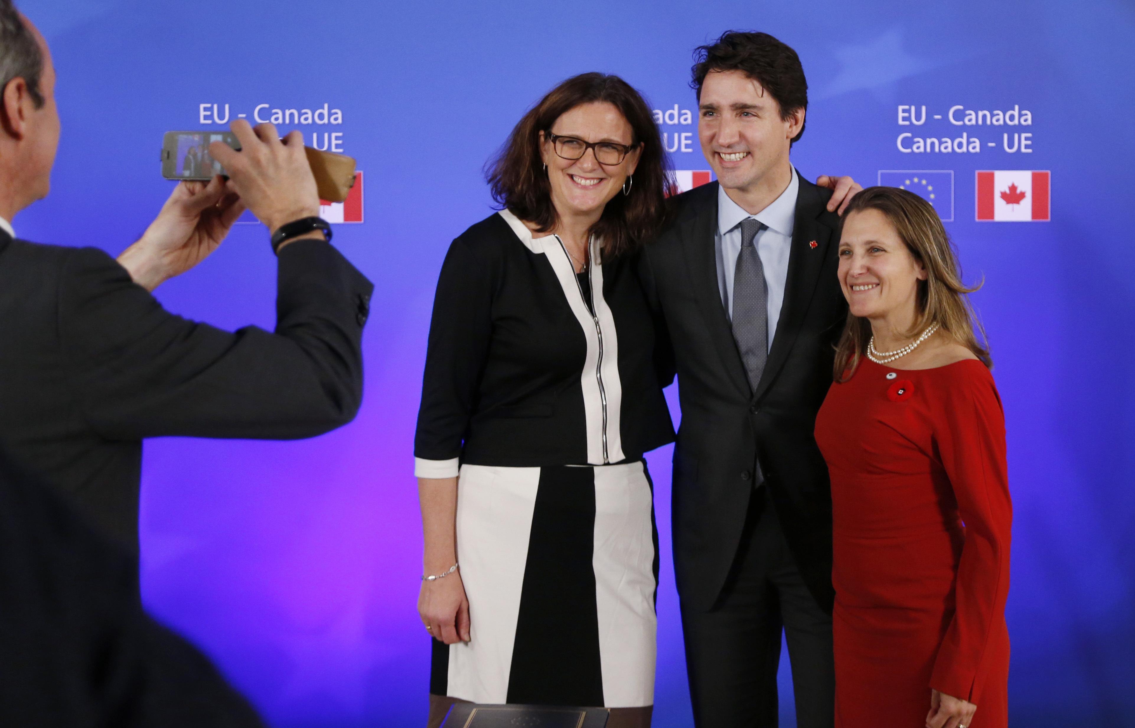 ЕС и Канада подписаха СЕТА