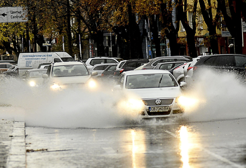 Още дъжд днес, утре и в събота
