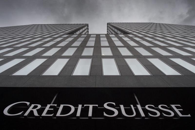 Арестуваха бивши банкери от Credit Suisse, обвинени в измами