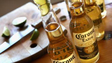 """Компанията собственик на марката на бирата """"Корона"""" с колосална загуба"""