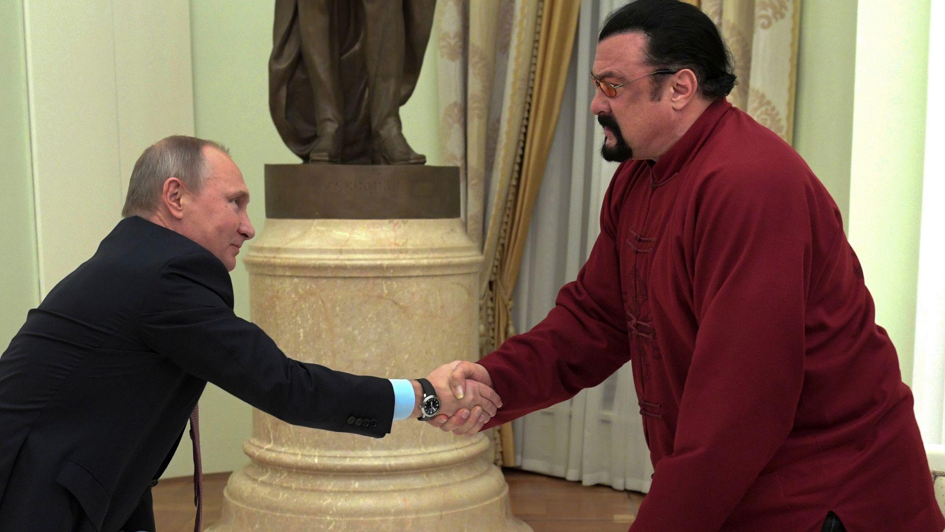 Стивън Сегал назначен за специален представител на руското министерство на външните работи