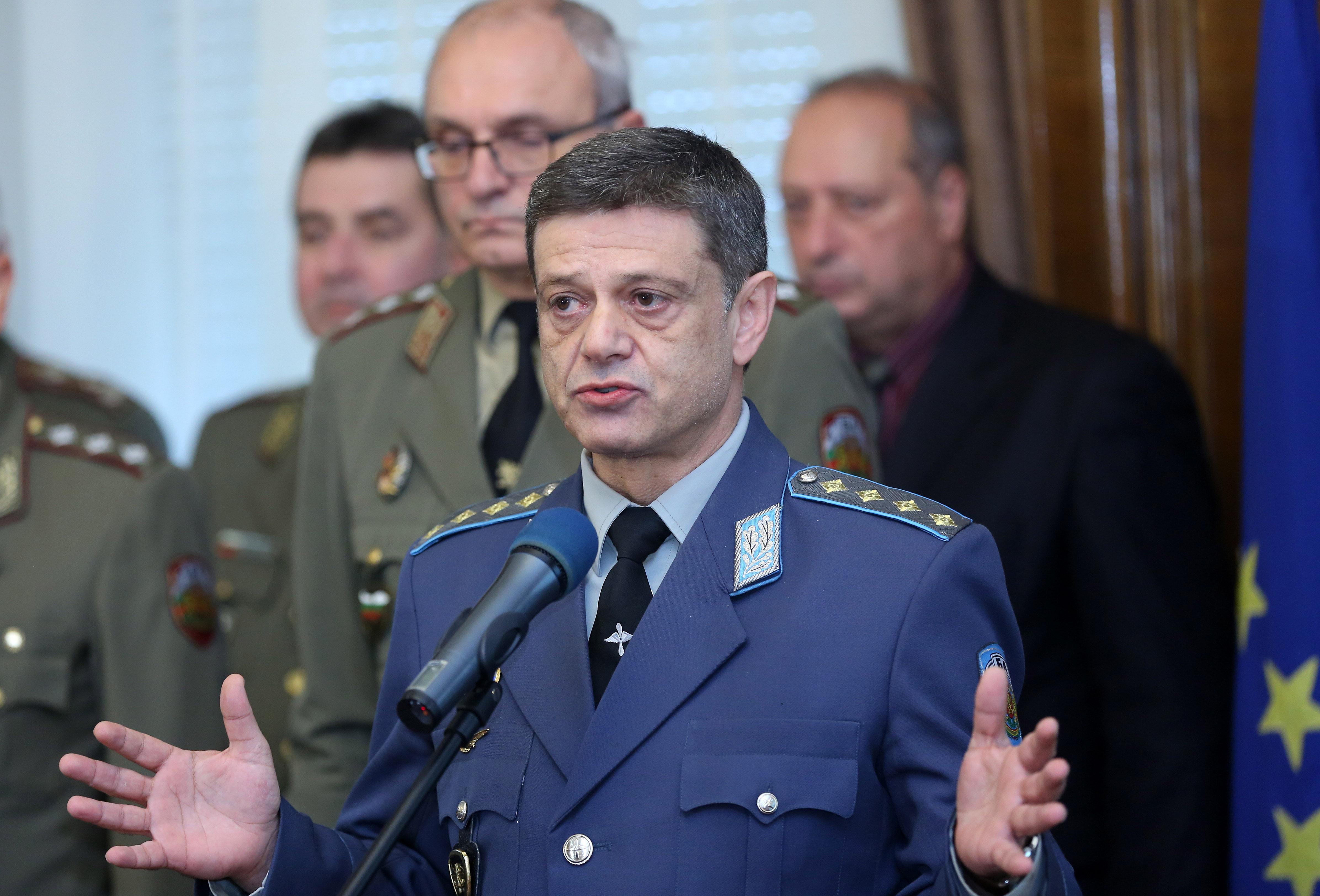Комисия отхвърли ветото на Радев върху Закона за отбраната