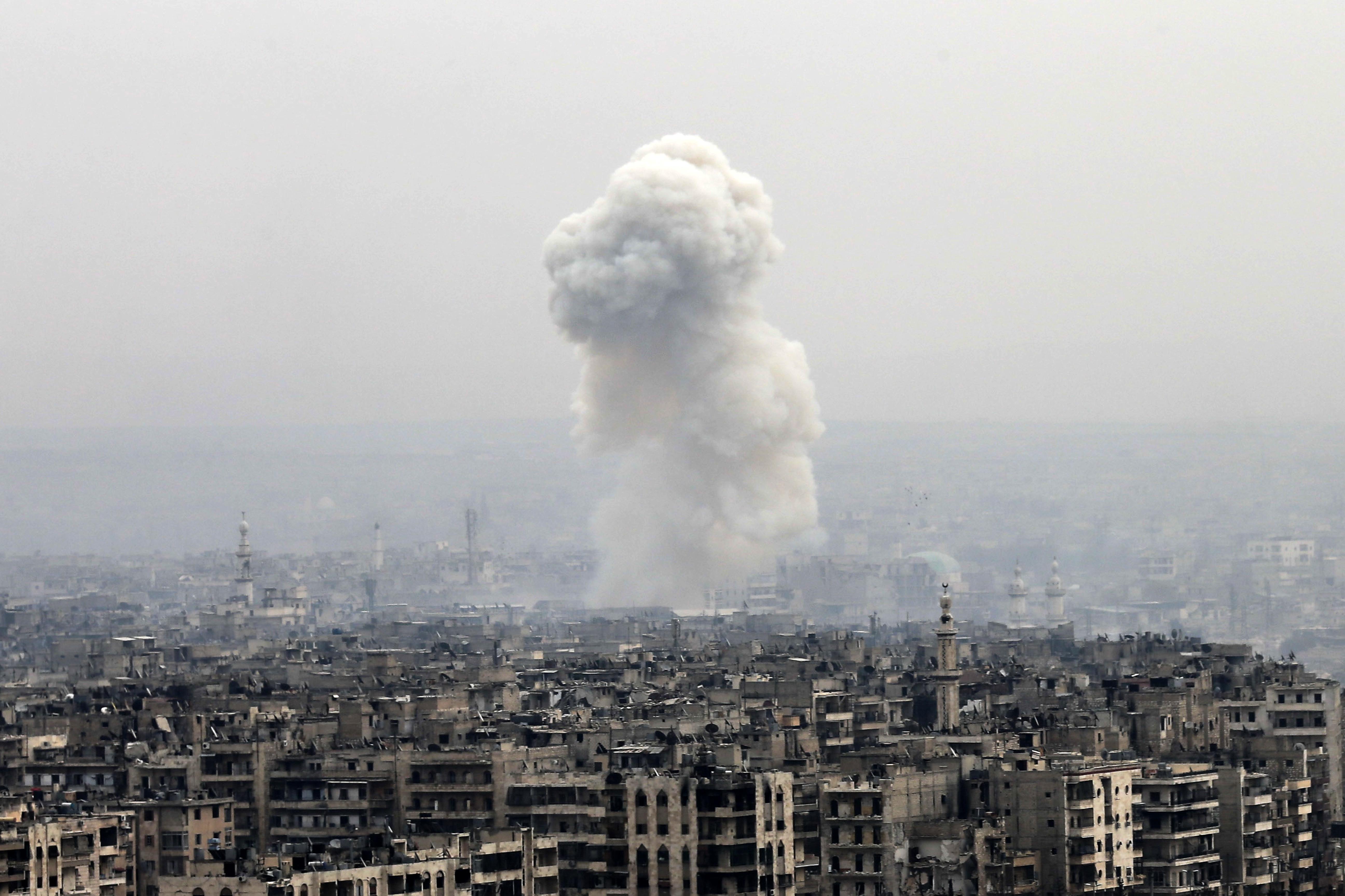 ООН: Бунтовници в Алепо насила задържат цивилни в боевете