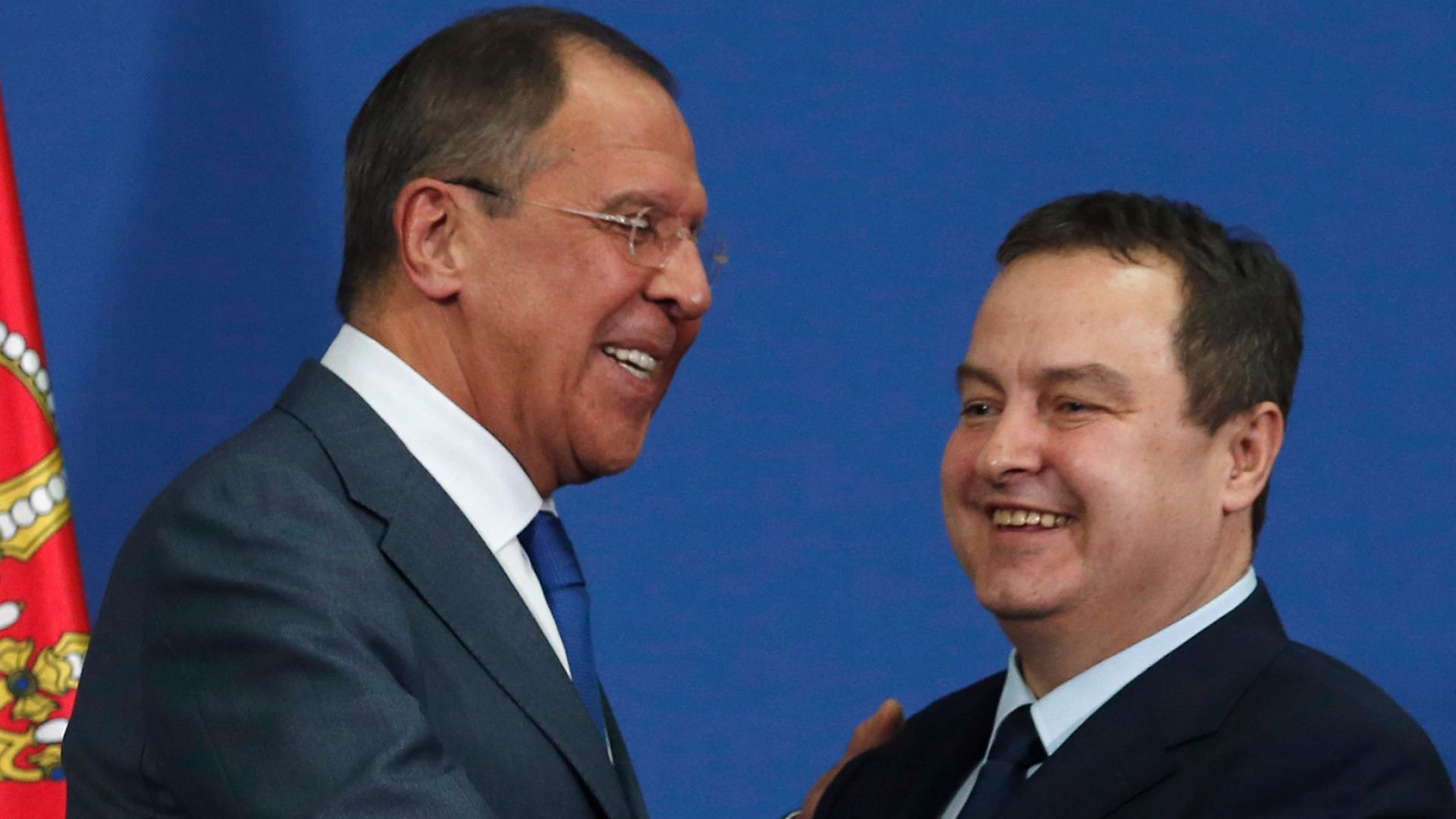 Белград: Няма да изменим на Русия