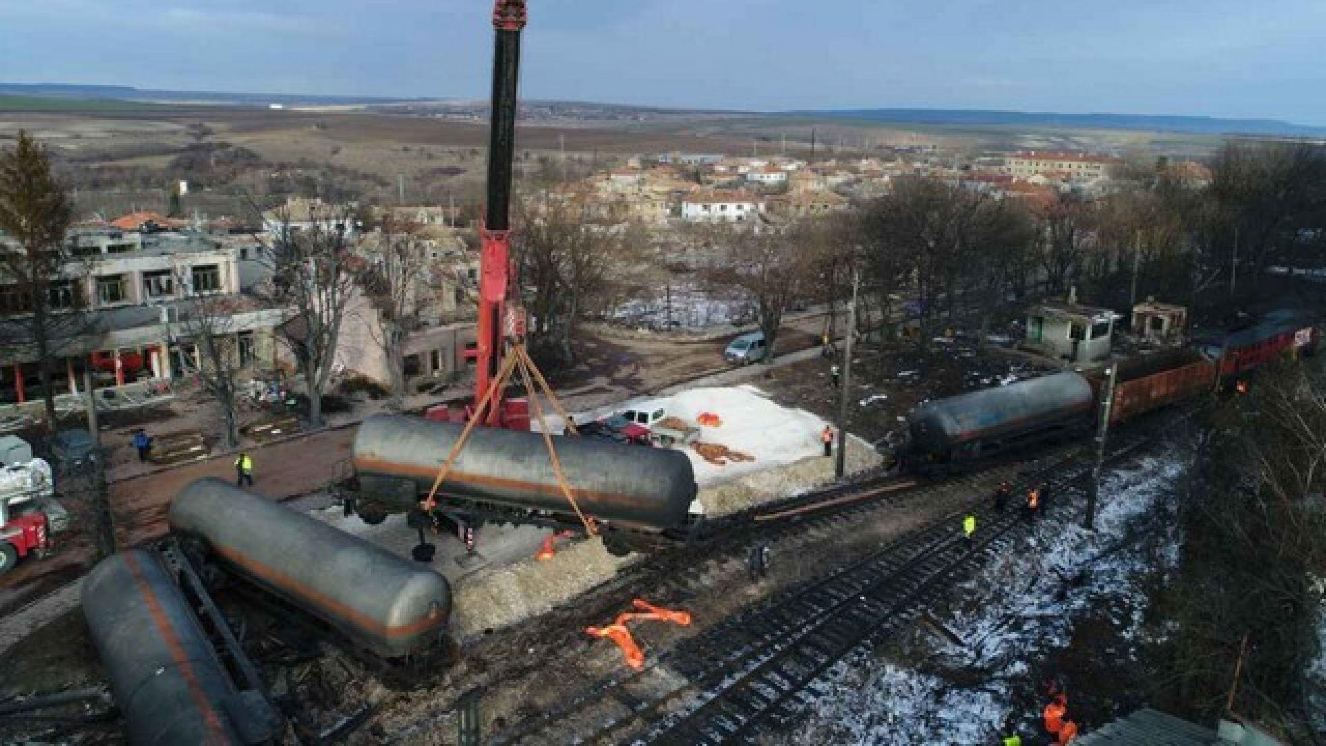 Немски експерт за трагедията в Хитрино: Никога не съм виждал такова голямо изместване на железопътен път