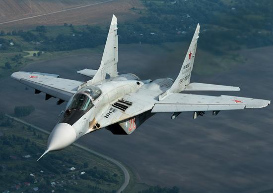 Русия подарява на Сърбия МиГ-29, танкове и бронирани коли