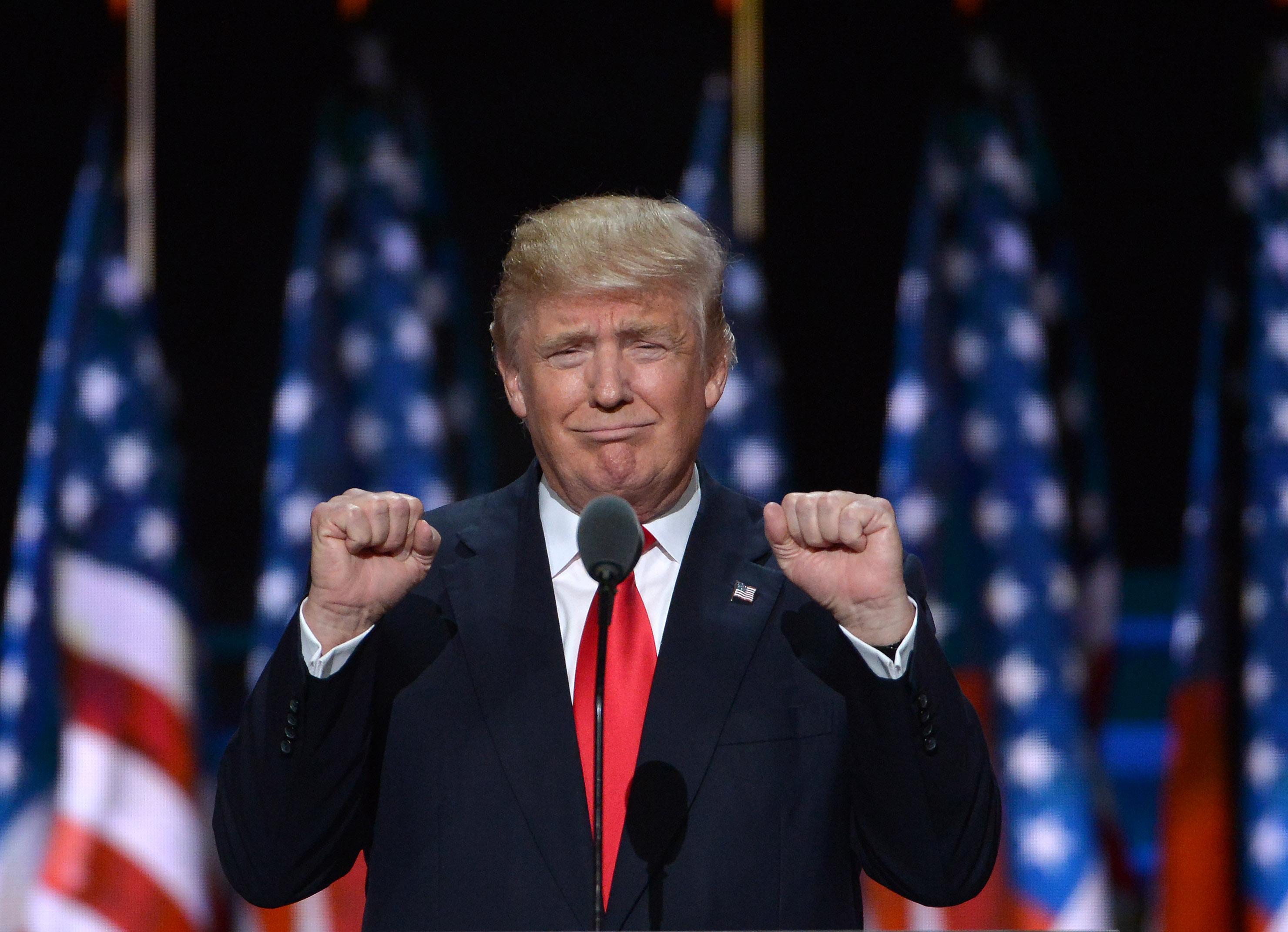 Тръмп отрича да се намира под руско влияние