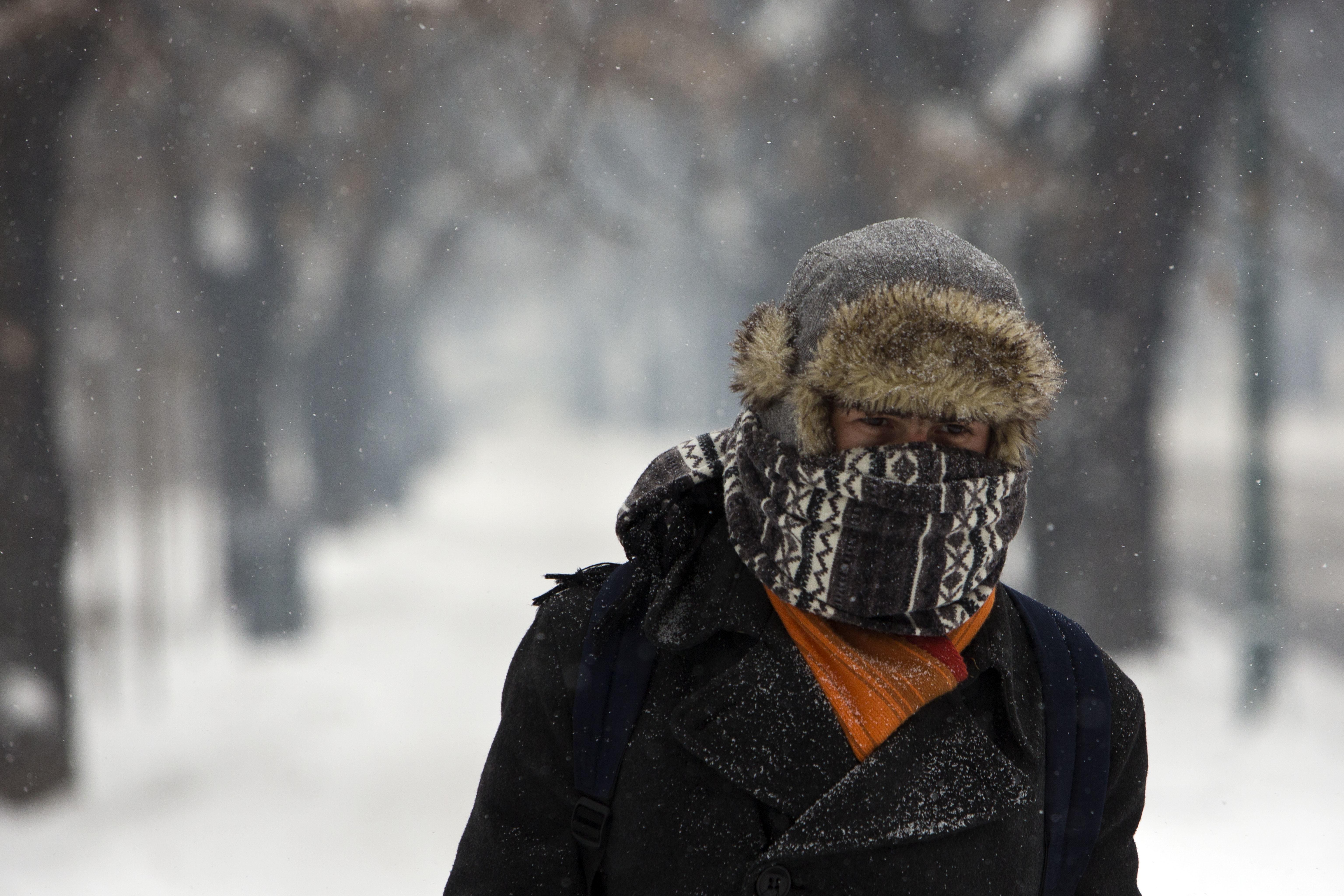 Поне 20 души са загинали в бурите на Балканите