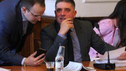 Правната комисия отложи връщането на 7% праг за преференциите в отсъствие на БСП