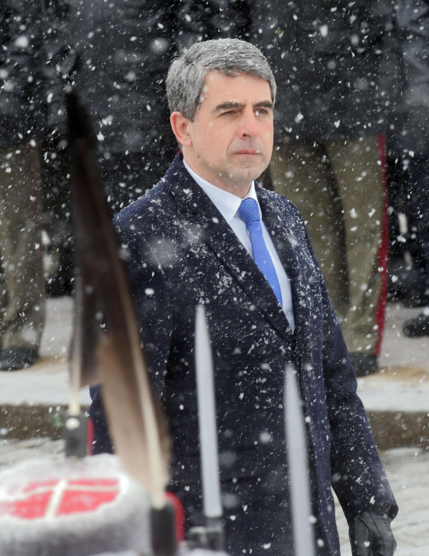 "Плевнелиев се мести от ""Дондуков"" на ""Цариградско шосе"""