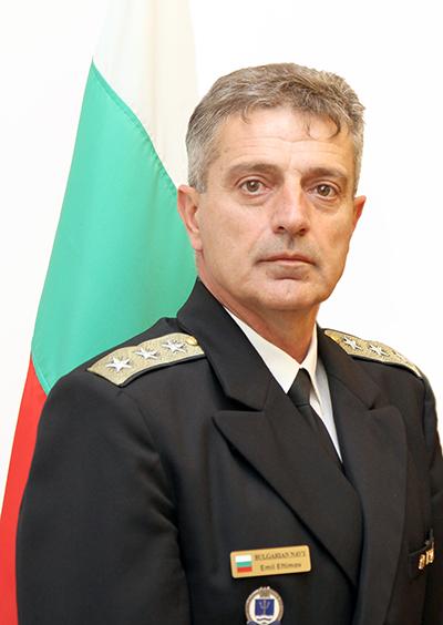 Кабинетът предлага вицеадмирал за временен шеф на отбраната