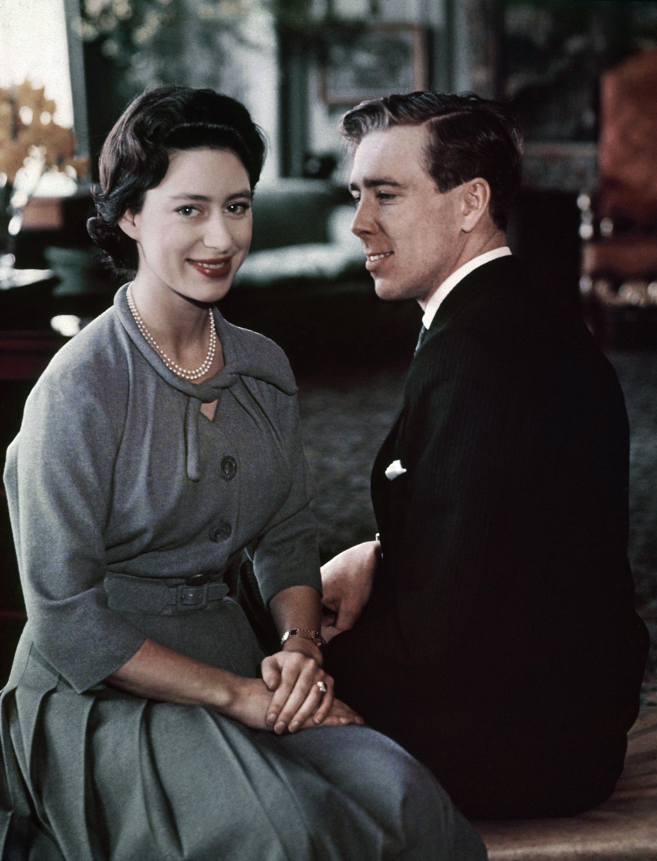 принцеса Маргарет и лорд Сноудън на годежа си