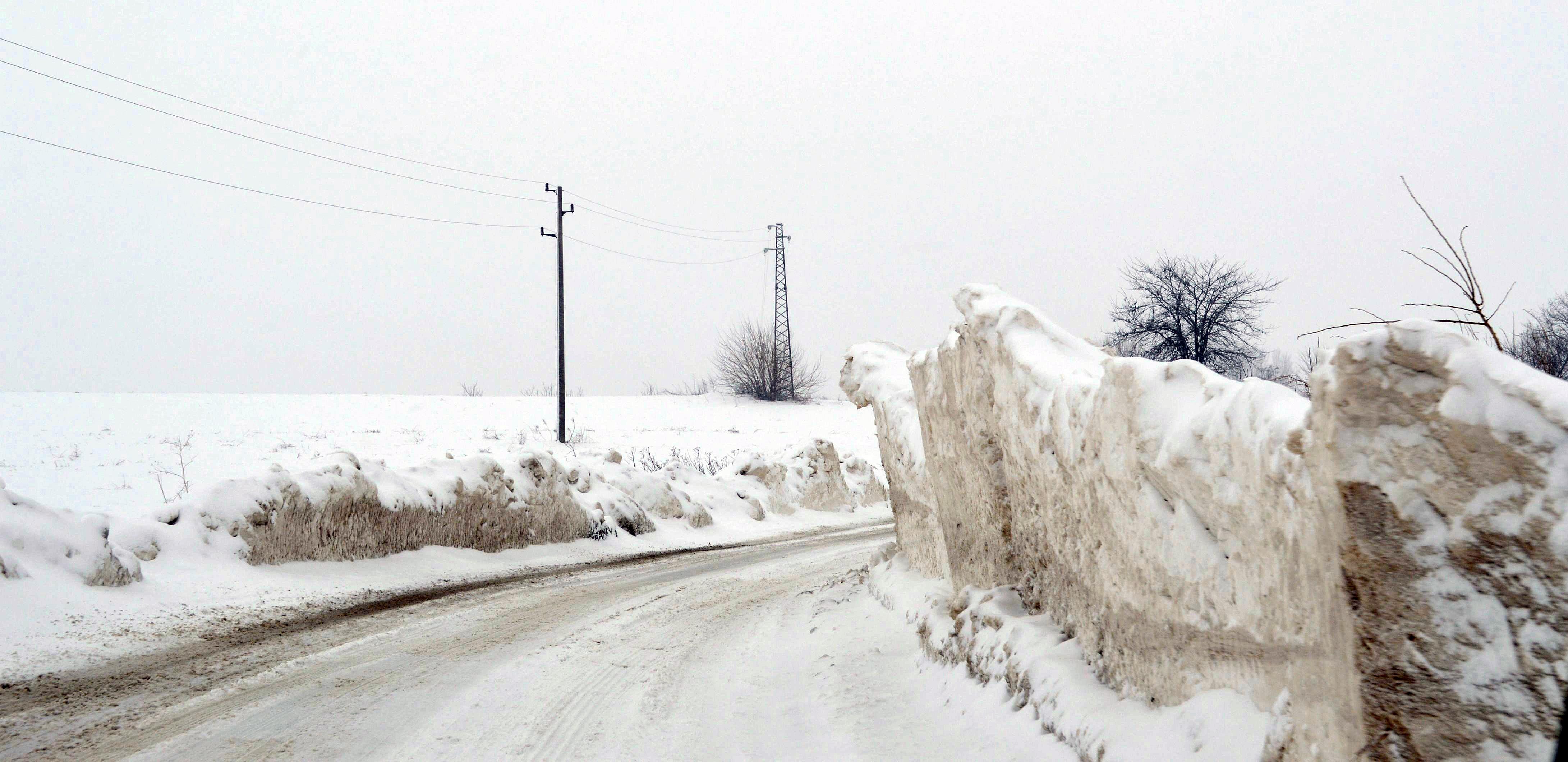 Спират камионите в Котленския проход, чака се силен сняг