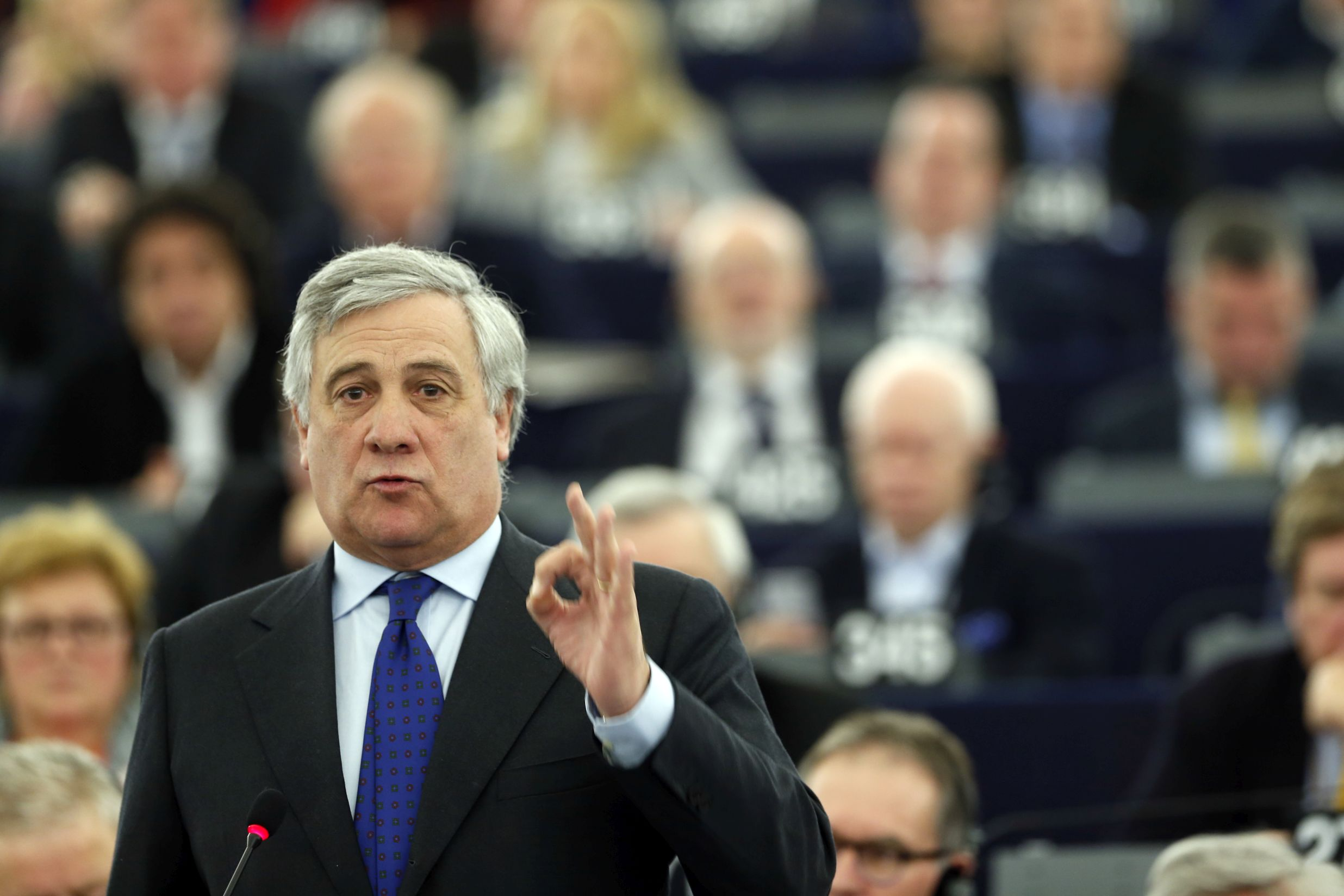 ЕП подкрепя за шеф на ЕК само някои от водещите кандидати, обяви Таяни