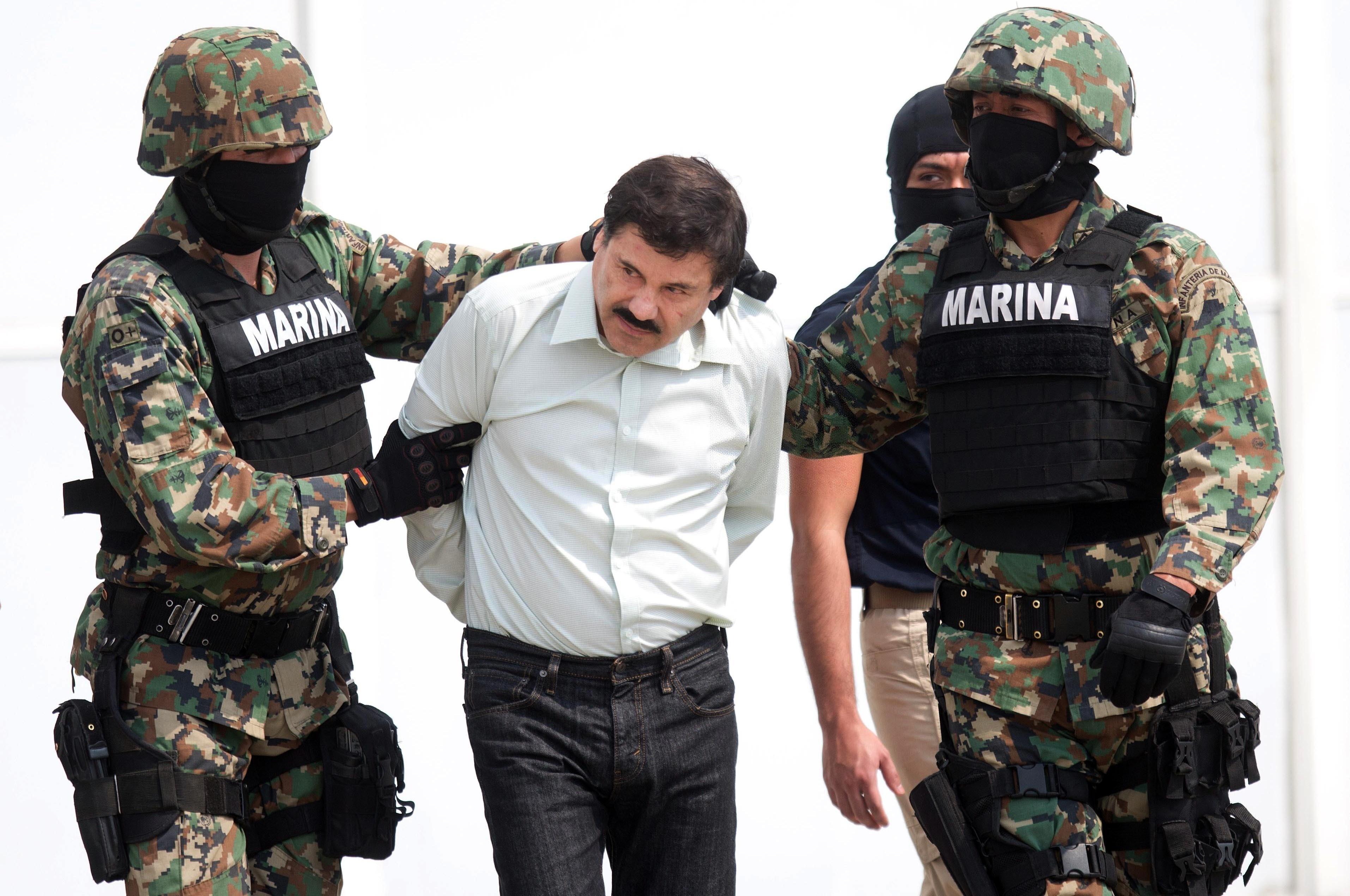Мексиканските власти екстрадираха нарсобоса Ел Чапо в САЩ