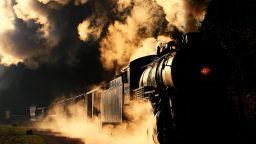 Матю Малкйевич преследва стари влакове