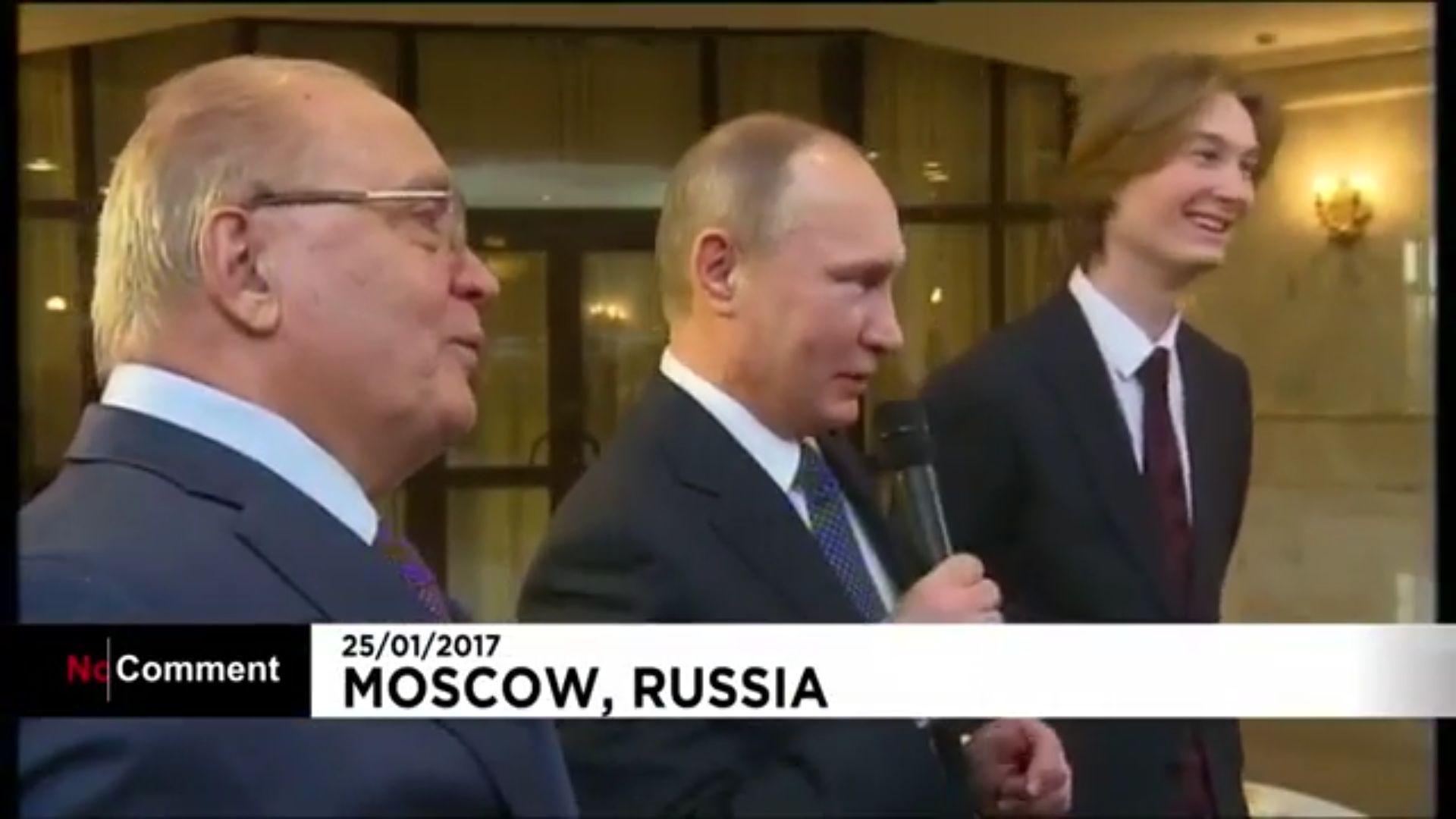 Путин пя съветска песен за Космоса (видео)