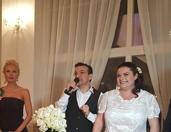 Зуека се ожени за своята Ани