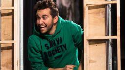 """Отличеният с три награди """"Тони"""" Бродуейски  мюзикъл """"Авеню Q"""" на сцената Столичен куклен театър"""