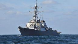 Руският Черноморски флот започна проследяване на американски ескадрен миноносец